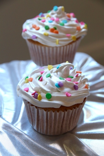 https://bakerholicsanonymous.com/recipes-2/frostings-icing-condiments/marshmallow-frosting/?preview_id=6214&preview_nonce=295f6a9997